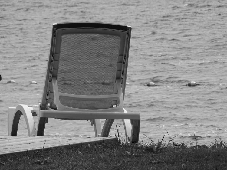 deck chair bw